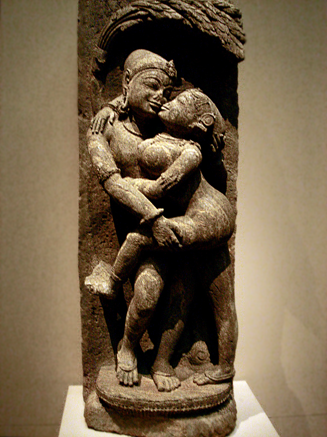 Loving_couple_mithuna-_13th_century_India