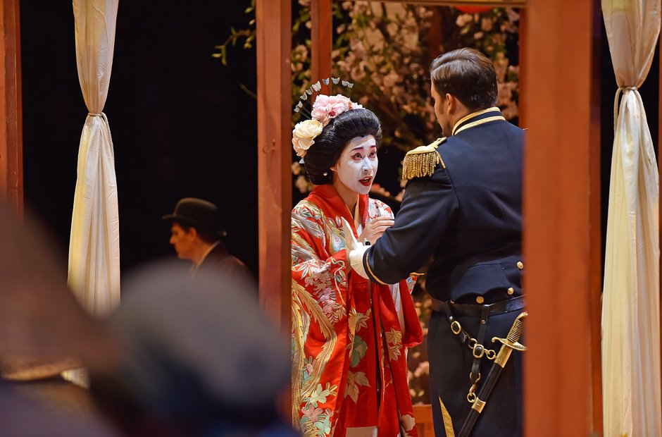 madam-butterfly-1-8-1425298711-view-0