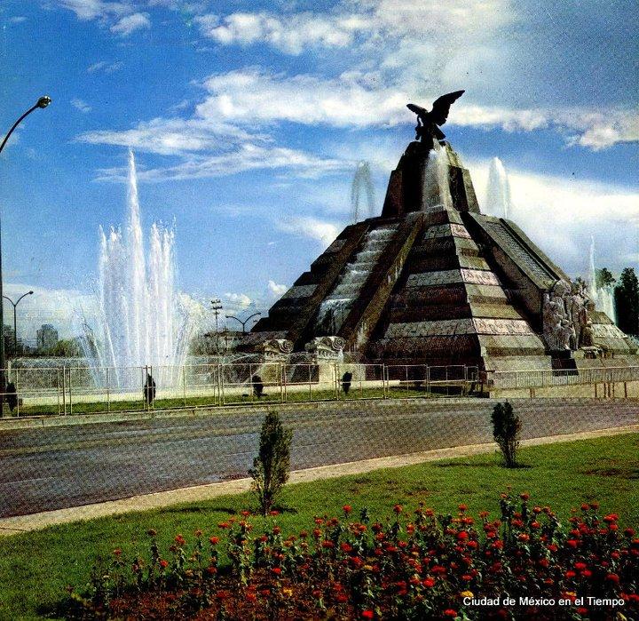 Un colorido Monumento a la Raza