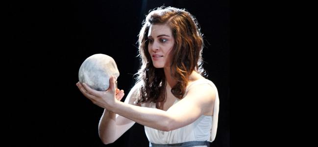 Lady Hamlet, ingeniosa versión del clásico de Shakespeare.