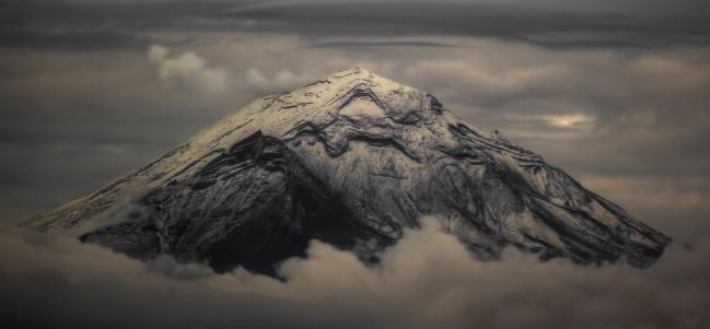 Lunes musical: 'Obertura Popocatépetl', de Alejandro Rosas Momox.