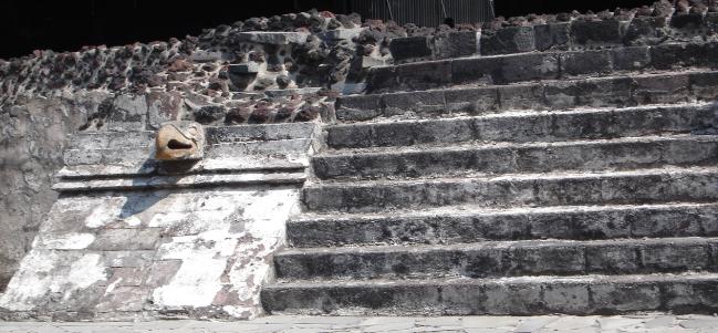 Un paseo prehispánico en el centro de la ciudad.